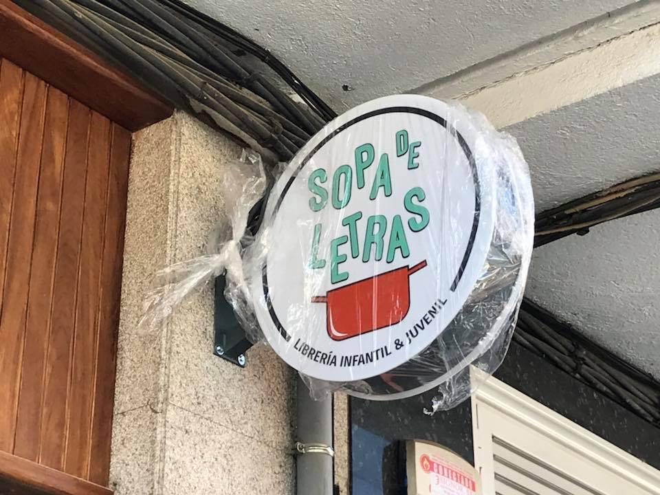 vinilica banderola sopa de letras
